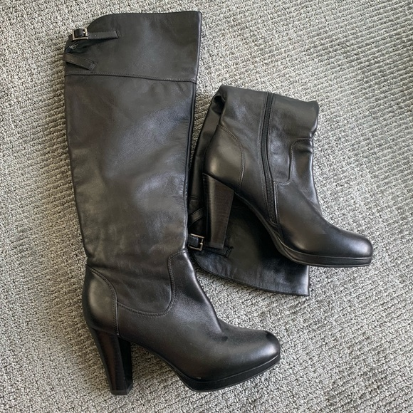 Shoes - Leather heeled knee-high boots size 8